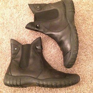 Cole haan Nike air waterproof boots